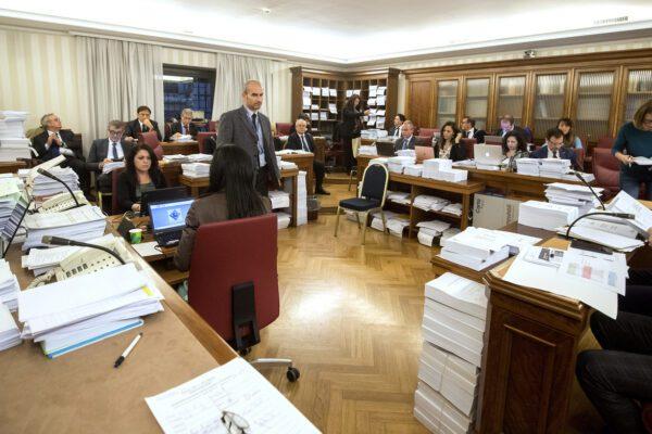 Decreto fiscale, ok in commissione. Italia Viva spacca il governo su fondazioni e carcere per evasori