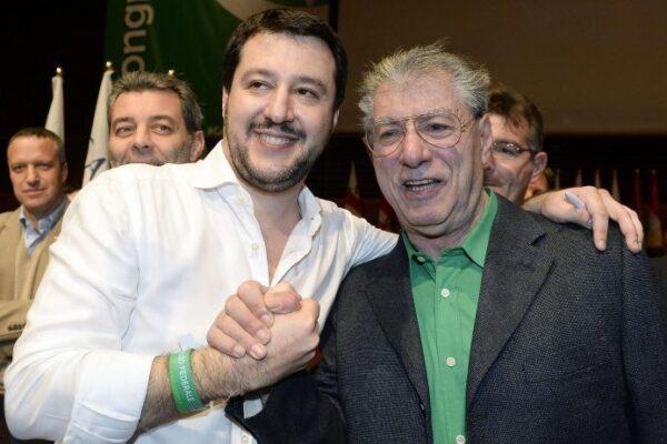 """Congresso Lega, Bossi e le sardine: """"Il loro partito è il Pd"""""""