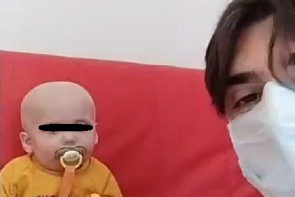 """Gabry, il bimbo di 2 anni dimesso dopo il trapianto: """"Urlava di gioia, è tornato a giocare"""""""