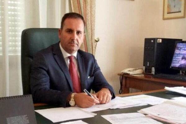 Corruzione, arresto il sindaco di Villa San Giovanni e i vertici della 'Caronte Traghetti'