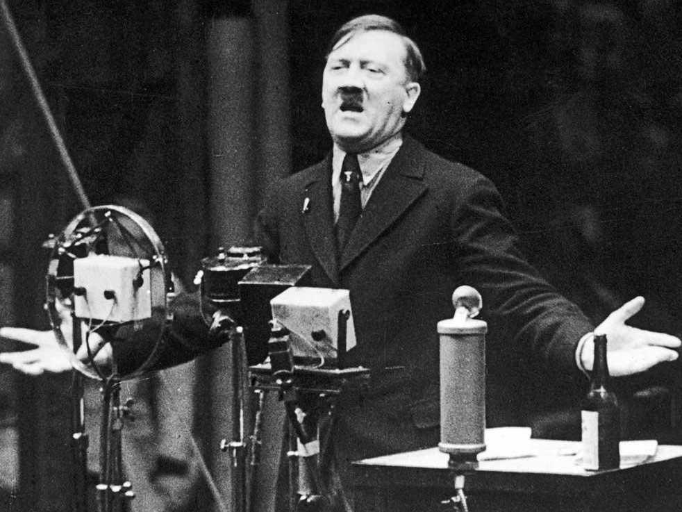 Hilter e il professor Castrucci: licenziamo anche Heidegger? - Il Riformista