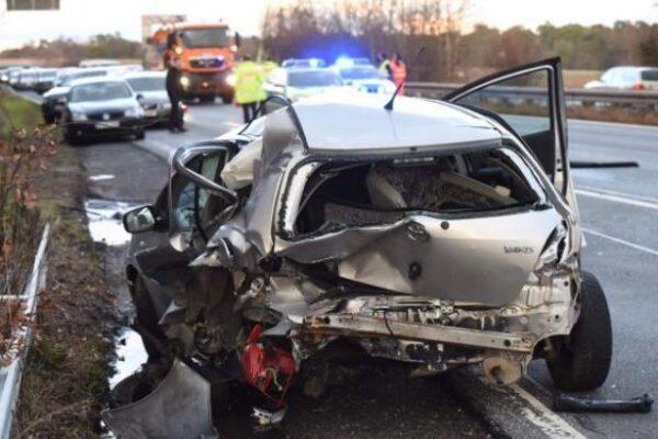 Incidenti stradali, vittime in calo del 2,9% nel 2019: in diminuzione le 'stragi del sabato sera'