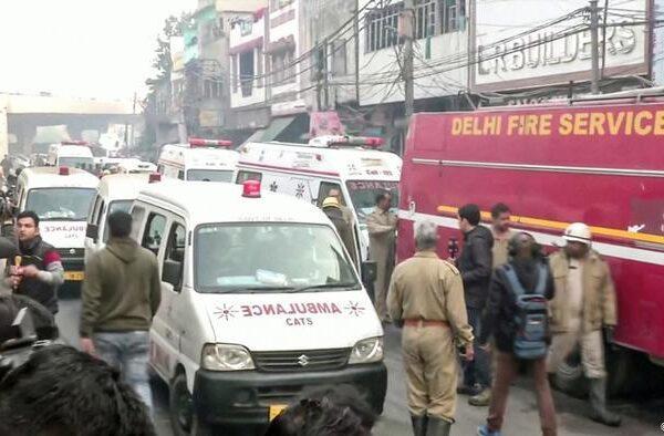 India, incendio in un mercato di Nuova Delhi: almeno 43 morti