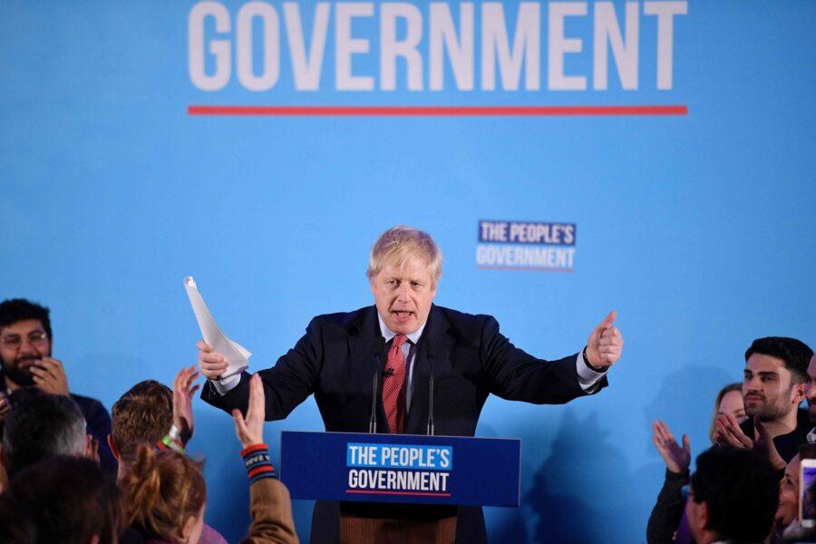 """Elezioni Gran Bretagna, trionfo dei Conservatori. Johnson: """"Il 31 gennaio fuori dall'Ue"""""""