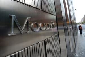 Moody's promuove le banche italiane: l'outlook da negativo a stabile