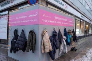 Muro della gentilezza, l'iniziativa solidale che ha fatto il giro del mondo