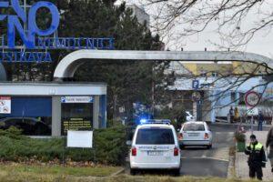 Repubblica Ceca, sei morti in un ospedale: killer suicida dopo la strage
