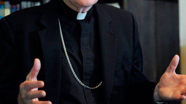 """Abusi su disabile, indagato altro sacerdote: """"Rese false dichiarazioni"""". E spuntano altri casi di violenza"""