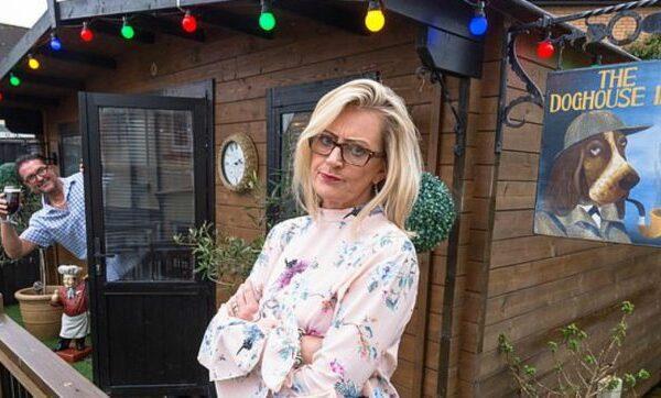 Troppe serate al pub: la moglie gliene costruisce uno dietro casa
