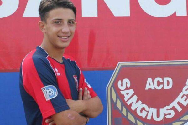 Calciatore muore a 18 anni stroncato da un tumore in poche settimane: lutto in Serie D