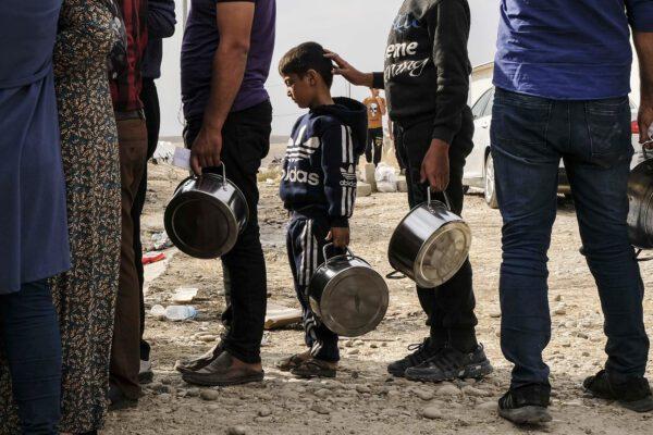 La guerra tra Russia e Turchia si gioca in Siria, a Idlib 120mila in fuga