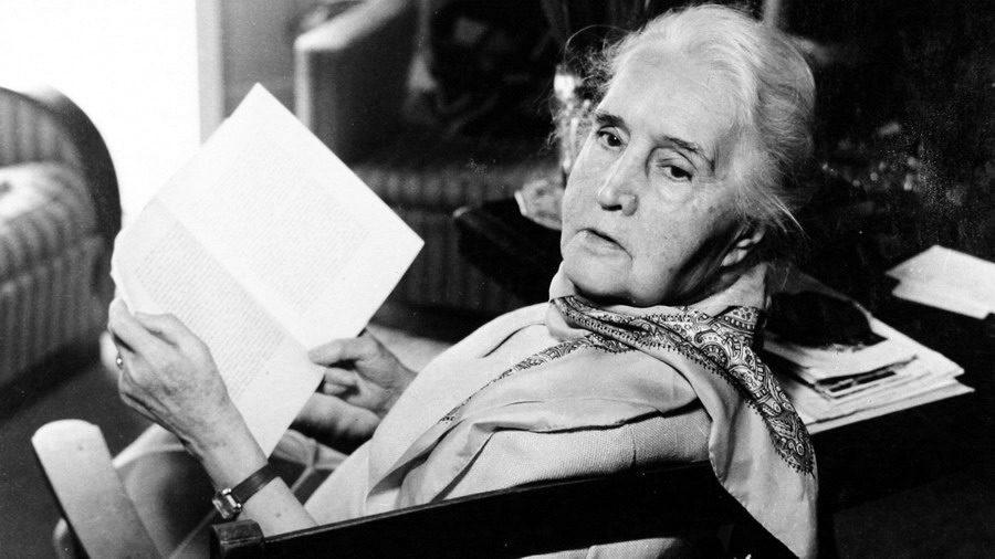 Chi era Sibilla Aleramo, la scrittrice che anticipò i temi del femminismo