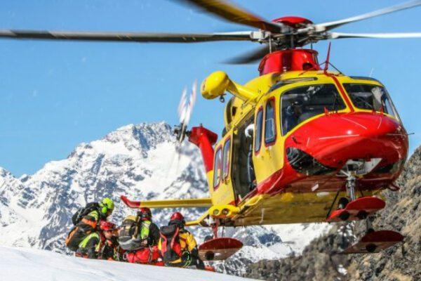 Valanga in Alto Adige travolge gruppo di sciatori: un morto sulle Dolomiti del Brenta