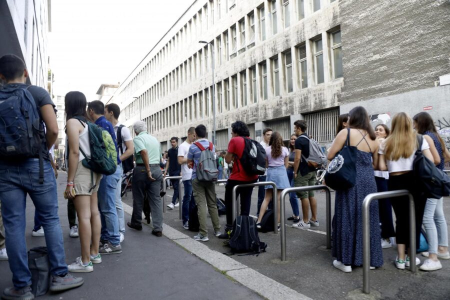 """Scuola romana divide gli studenti, la descrizione sul sito web: """"Qui i figli dei ricchi, lì quelli delle colf"""""""