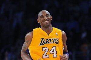 A 41 anni muore in un incidente in elicottero Kobe Bryant