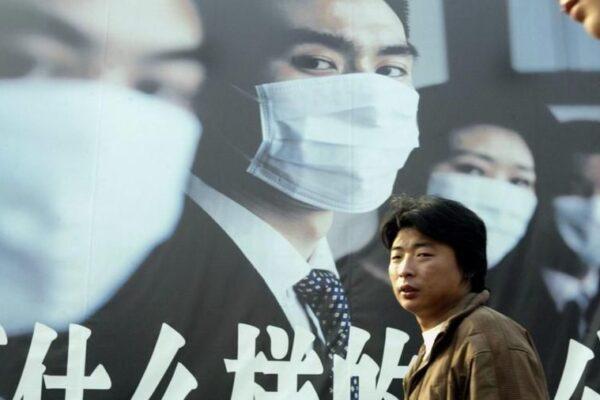 Prima vittima in Cina, che cos'è la polmonite Sars scoperta dal medico italiano Carlo Urbani