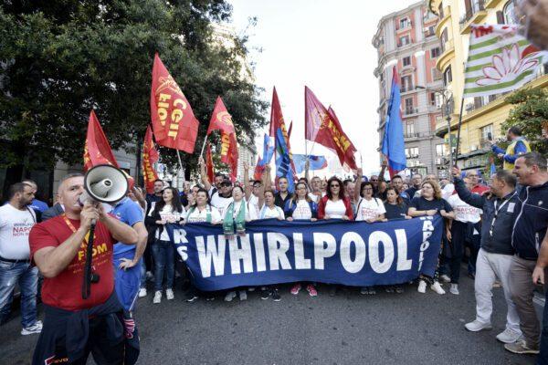 Vertenza Whirlpool, il ministero la ignora da due mesi e ora bisogna ripartire da zero