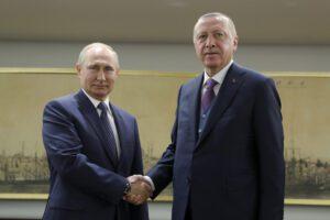 """Erdogan e Putin: """"Cessate il fuoco in Libia ma anche tra Iran e Usa"""