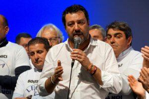 Processo a Salvini, in giunta volano stracci: no alle nuove carte sulla salute dei migranti
