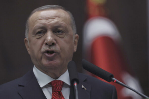 Erdogan si prende il gas nel Mediterraneo: via libera alle perforazioni davanti alla Libia