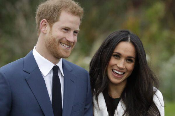La regina declassa Harry e Meghan: non saranno più 'altezze reali' e restituiranno i soldi