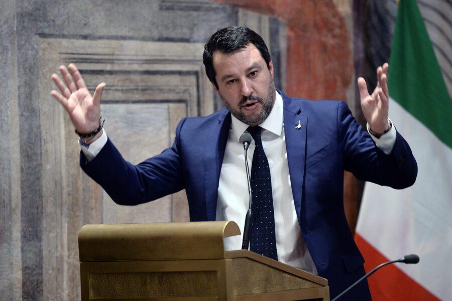 Processo a Salvini, rinvio è boomerang per i giallo rossi