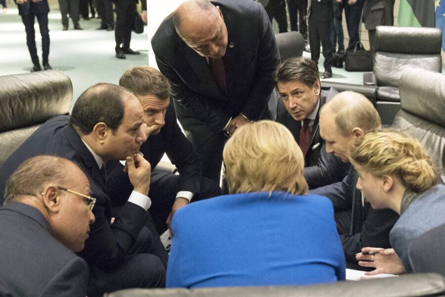Summit di Berlino, i tanti nodi irrisolti di un accordo debole