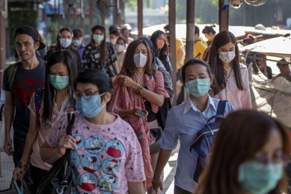 Coronavirus, focolaio in un mercato di Pechino: chiusi 11 quartieri