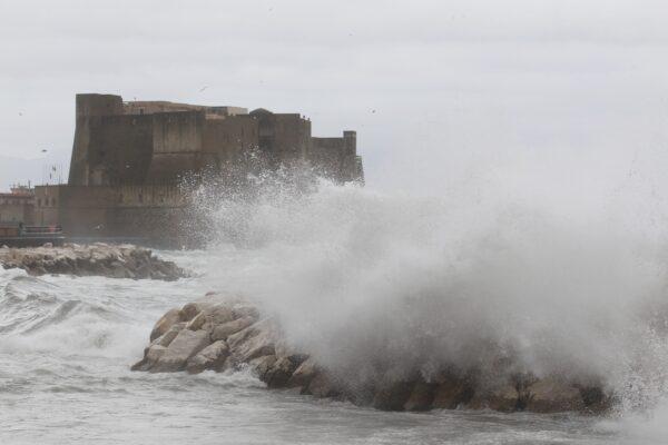 Campania, peggiora il tempo: allerta meteo diventa arancione fino a lunedì mattina