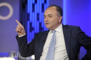 Gratteri commissario della sanità in Calabria, ci mancava solo lui…