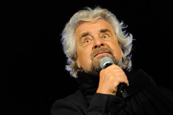 Anche Beppe Grillo soffre la crisi, alzato il 'prezzo' delle interviste: si parte da 10mila euro