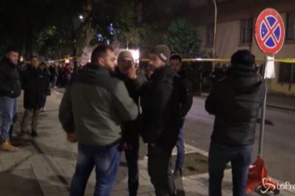 """Anniversario di Acca Larentia, giornalisti minacciati dai militanti di destra: """"Ti spacco la telecamera"""""""