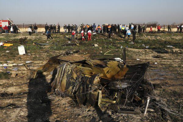 Boeing precipitato, l'Iran nega la scatola nera ed è giallo sulla dinamica. L'Ucraina apre un'inchiesta