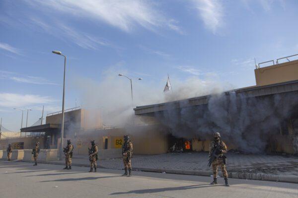 Iraq, cinque missili esplodono vicino all'ambasciata Usa a Baghdad