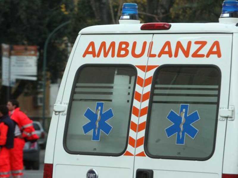 Ragazzina alla guida investe e uccide la madre in retromarcia, tragedia in Abruzzo