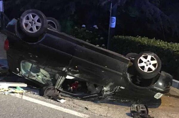 Schianto in auto prima del cenone, muore papà: figlio di 9 anni in ospedale