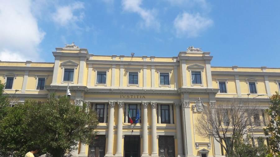 Soldi e sesso in cambio di sentenze favorevoli, arrestato magistrato della Corte d'Appello di Catanzaro
