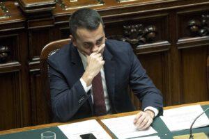 Caos nei 5 Stelle, pressing su Di Maio: potrebbe dimettersi da capo politico già a gennaio