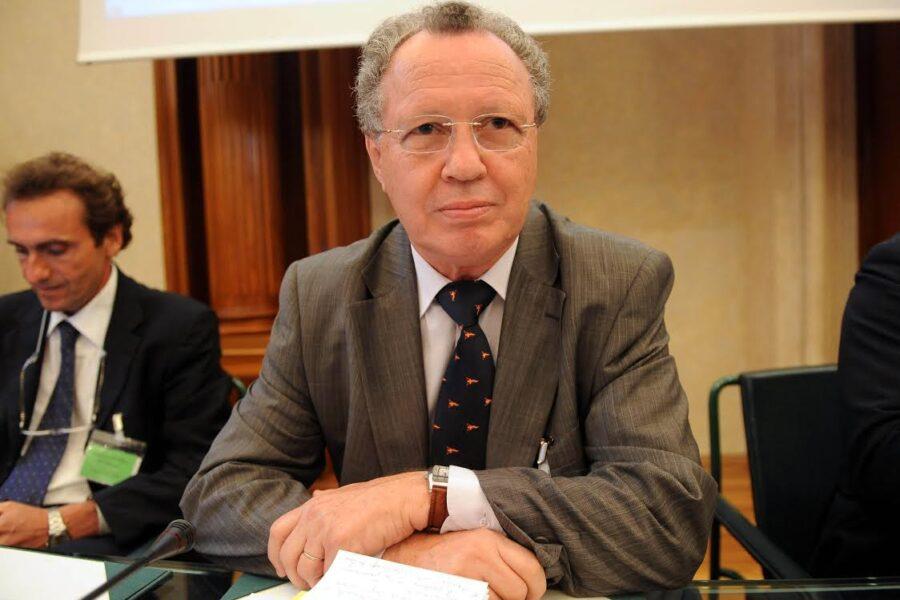 ELY KARMON ANALISTA E RICERCATORE