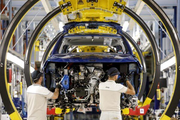 Auto elettriche, Fca in trattativa con Foxconn per lanciare la produzione in Cina