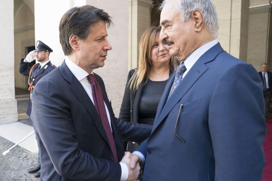 Crisi libica, Italia crocevia della diplomazia: Conte incontra il generale Haftar a Roma