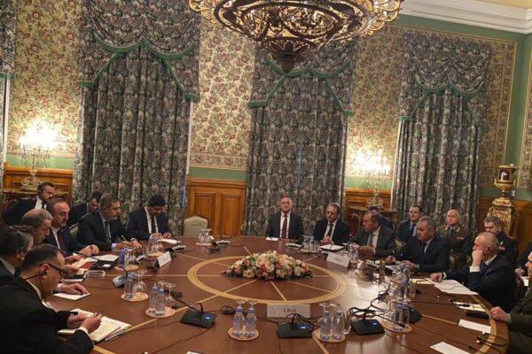 Crisi in Libia, Haftar e Serraj a Mosca per negoziare la tregua. La conferenza di Berlino convocata il 19 gennaio