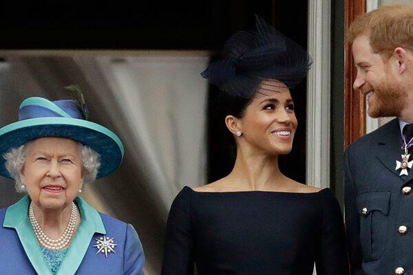 La regina Elisabetta dice sì a Harry e Meghan: via libera alla nuova vita indipendente e senza fondi reali