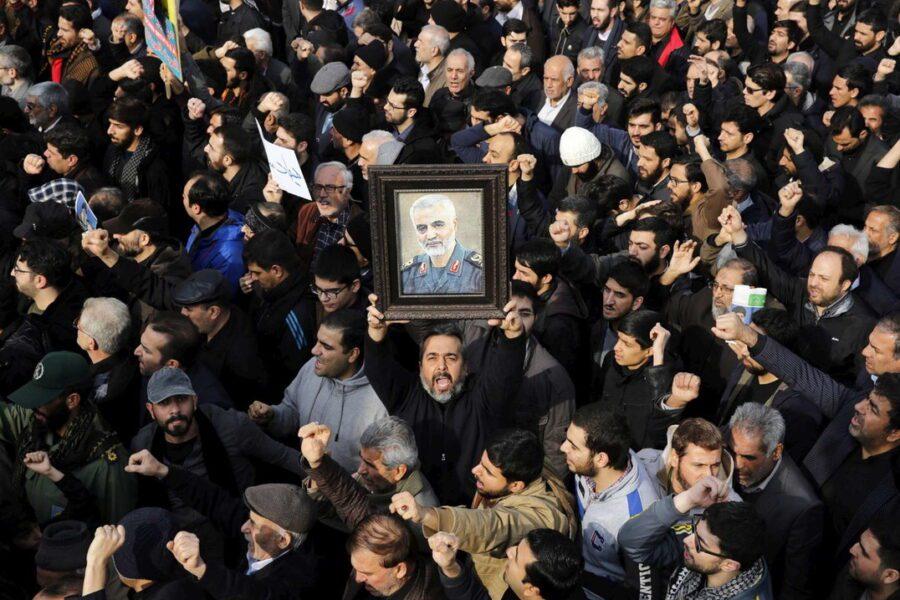 L'Iran minaccia vendetta terribile contro l'America: è guerra