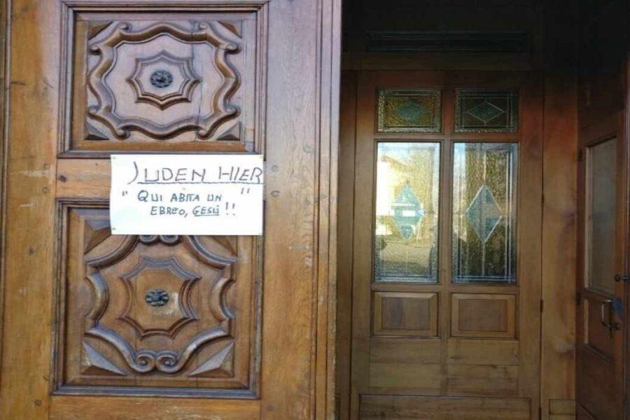 """""""Qui abita un ebreo: Gesù"""", la risposta di una parrocchia agli attacchi antisemiti"""