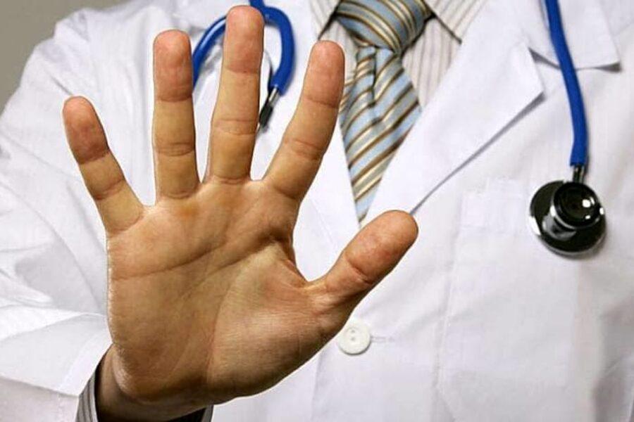 Denunce per presunta malasanità e aggressioni: i medici hanno paura di curare
