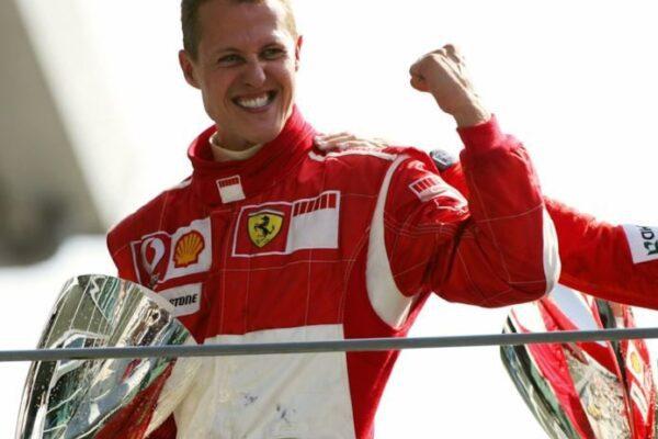 """Michael Schumacher compie 51 anni, l'augurio dei tifosi: """"Ti aspettiamo"""""""