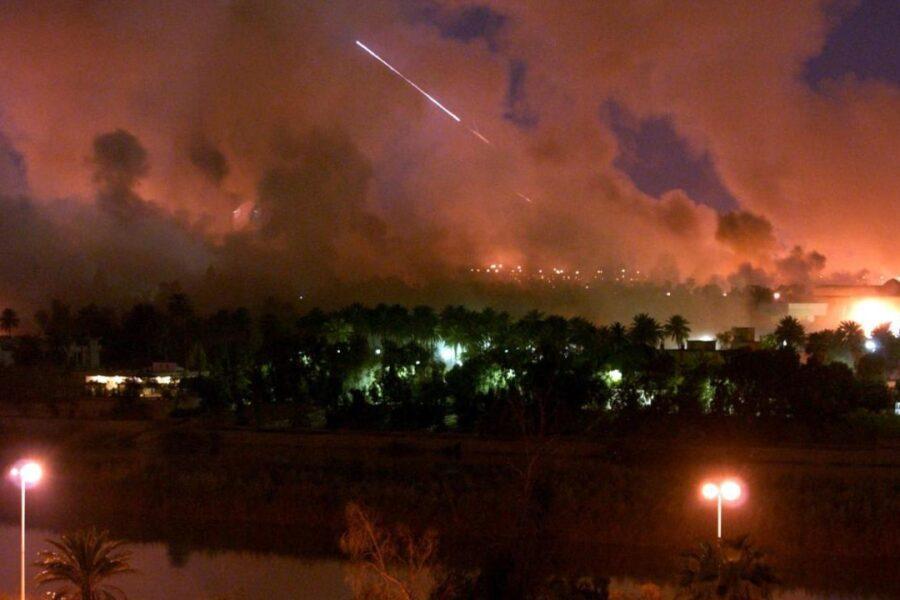 """""""Soleimani martire"""", l'Iran lancia missili contro basi Usa in Iraq"""