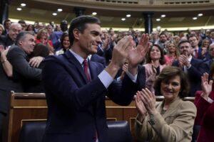 La Spagna ha un governo, il socialista Sanchez ottiene la fiducia
