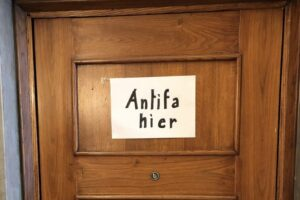 """""""Antifa hier"""", Beppe Sala risponde così agli insulti antisemiti di Mondovì"""